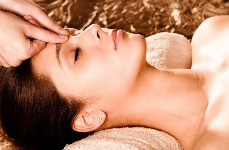 Массаж при бессоннице и головных болях